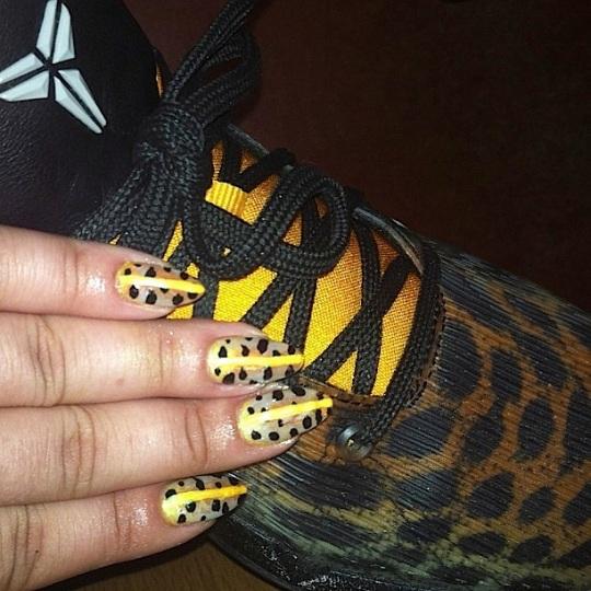tipgang work4: kobe sneakers
